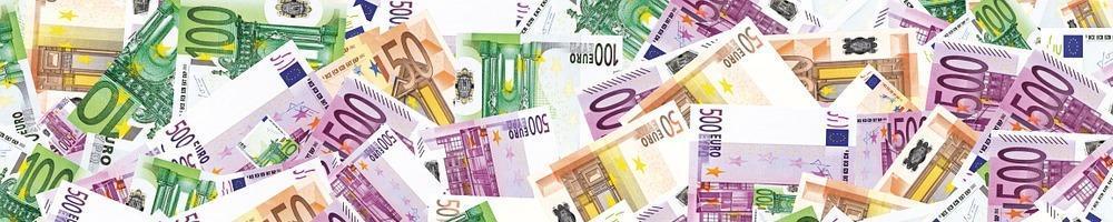 Geldscheine verteilt